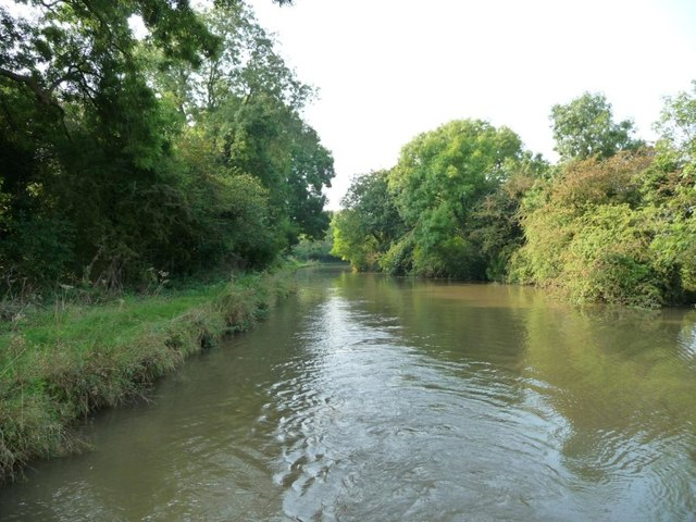 Trent & Mersey Canal between bridges 180A and 181