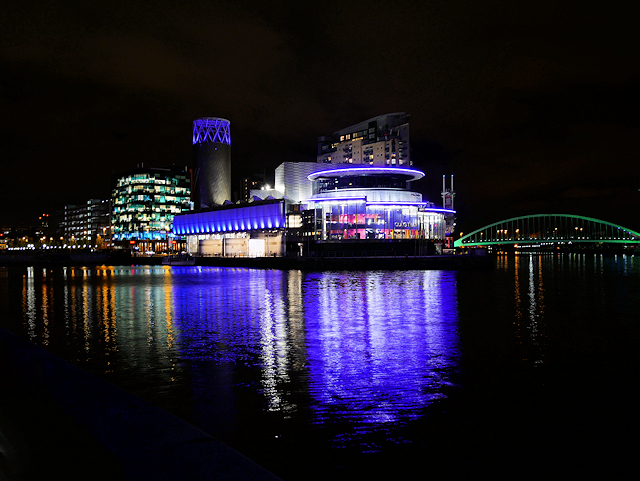 Manchester Ship Canal, Lowry Centre and Liftbridge