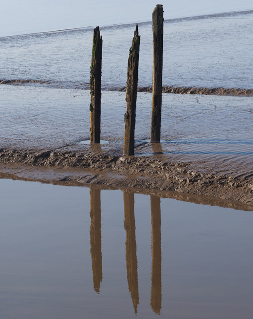 Stake Triplet on the Humber Riverside