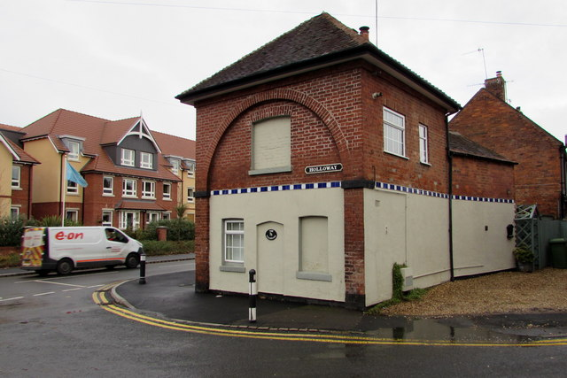 Grade II listed former tollhouse on a Droitwich corner