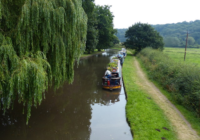 Narrowboats moored along the Staffordshire and Worcestershire Canal