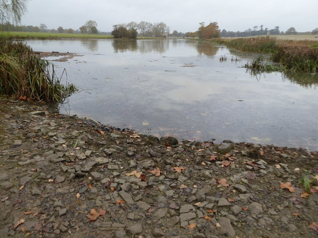 Low water levels on Croome River