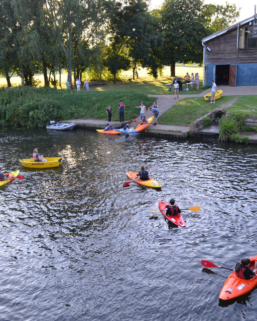 Fun on the river with Warwick Sea Scouts