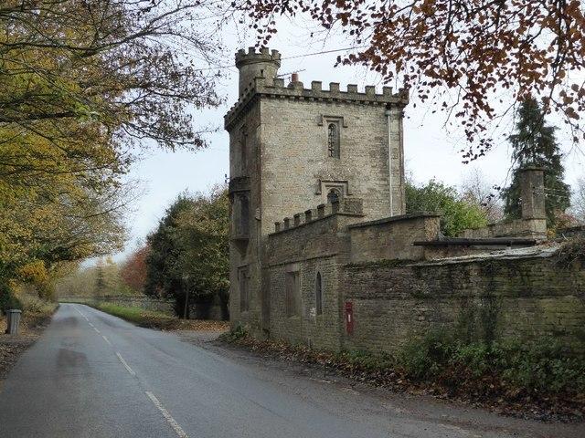Lodge to Lypiatt Park