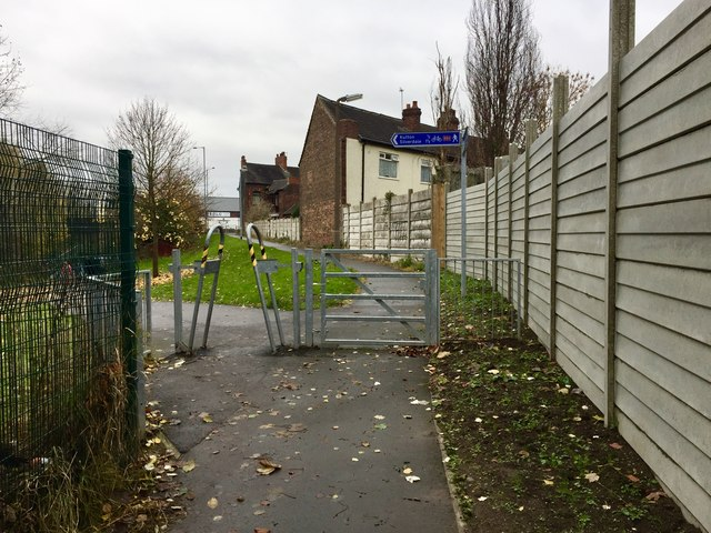 Newcastle-under-Lyme: footpath and cycleway