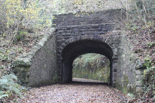 Cycle route bridge near Ynysddu Hotel