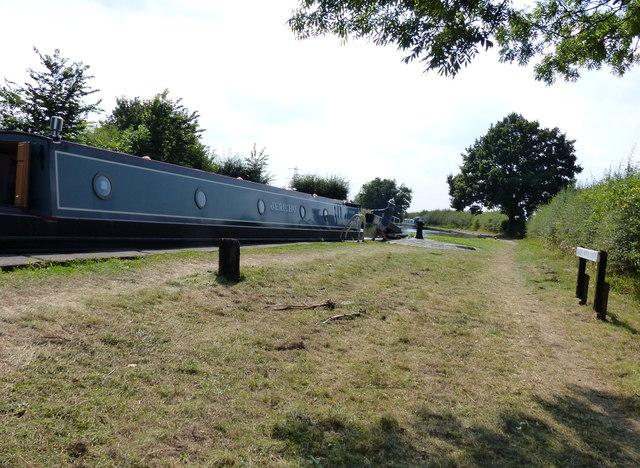 Narrowboat at Brick Kiln Lock No 33