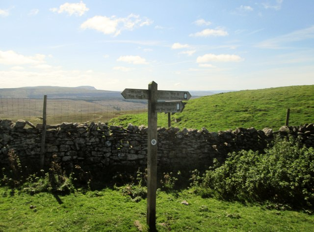 Pennine  Bridleway  meets  Pennine  Way