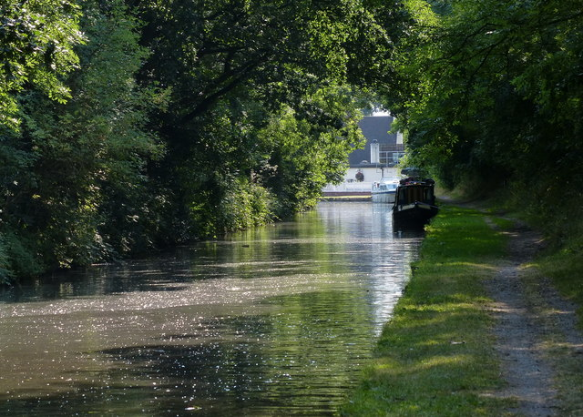 Staffordshire and Worcestershire Canal at Cross Green