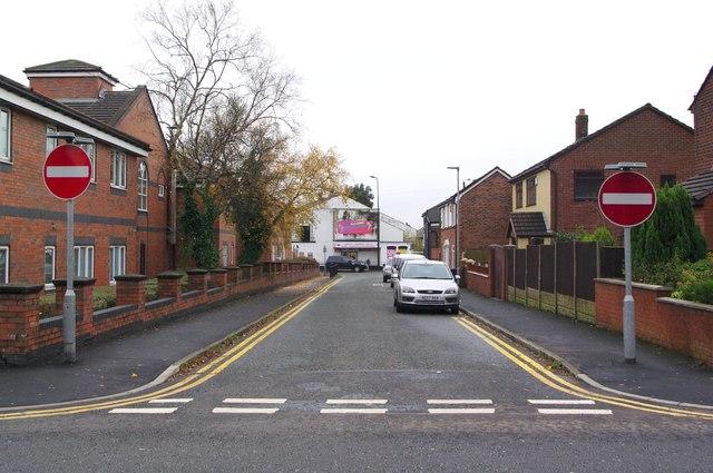 Between Ellesmere Road and Ormskirk Road, Pemberton