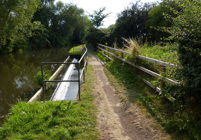Staffordshire and Worcestershire Canal overflow