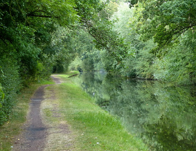 Towpath along the Staffordshire and Worcestershire Canal