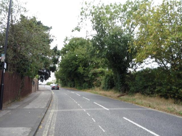 Looking east on Hadley Road by JThomas