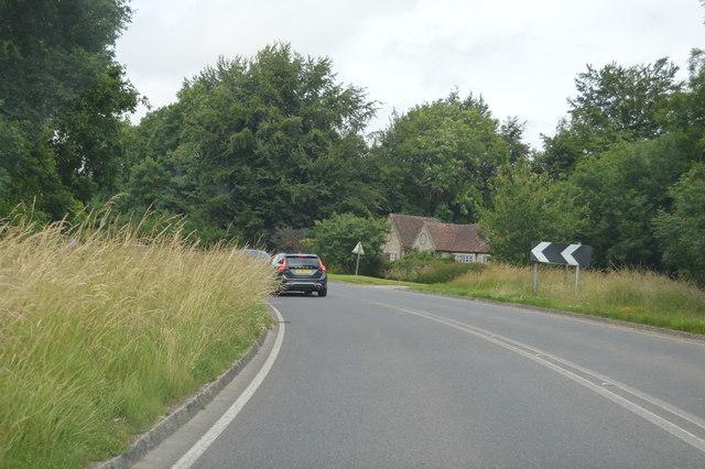 Sharp bend at Chilgrove