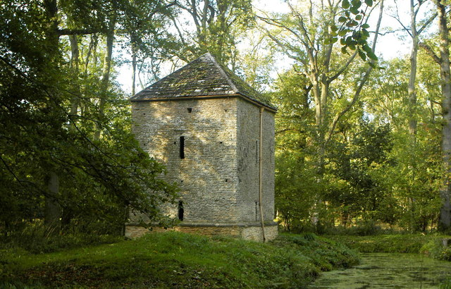 Former Pump House, nr Little Badminton, Gloucestershire 2013