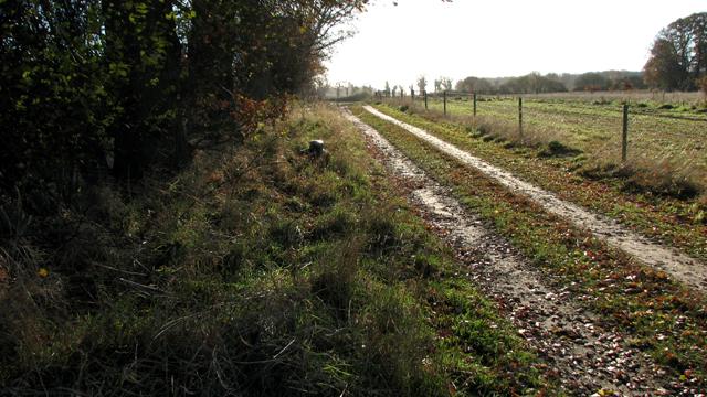 Farm track to Hazelmere Hole