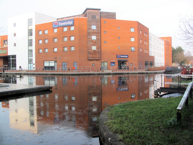 The Travelodge on the Canal at Aylesbury