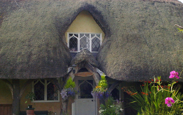 Thatched Cottage Window, Station Rd,  Badminton, Gloucestershire 2011