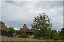 TQ5147 : Charcott Farm Oast by N Chadwick