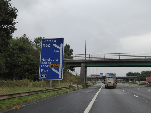 Sign and bridges for J21A of the M6 southbound lane