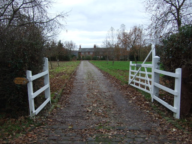 Driveway to cottage, Brassey Green
