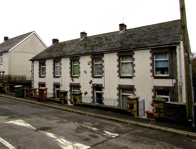 Greenfield Terrace, Trinant