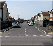 ST3050 : West along Golf Links Road, Burnham-on-Sea by Jaggery