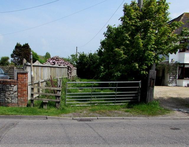 Berrow Road stile to a public footpath, Burnham-on-Sea