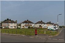 TQ4667 : Barnesdale Crescent by Ian Capper