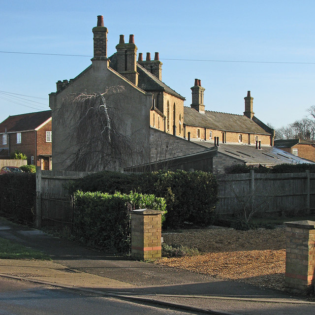 Cottenham: the rear of Moreton's Charity Almshouses