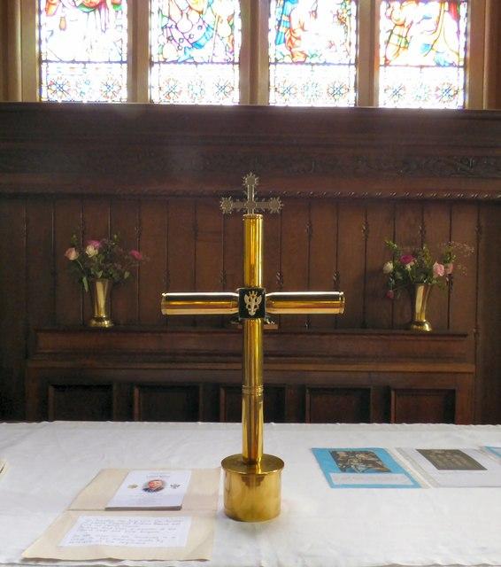 Cross in memory of Alan Breeze