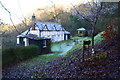SU6584 : Berins Hill Cottage by Roger Templeman