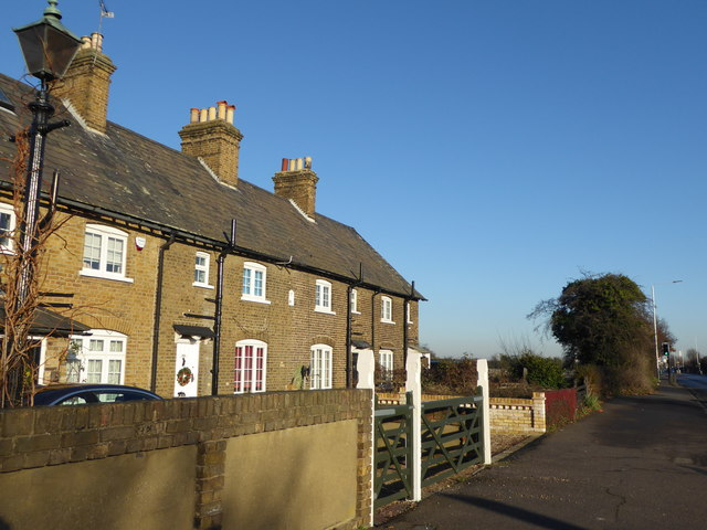 Crown Cottages, London Road