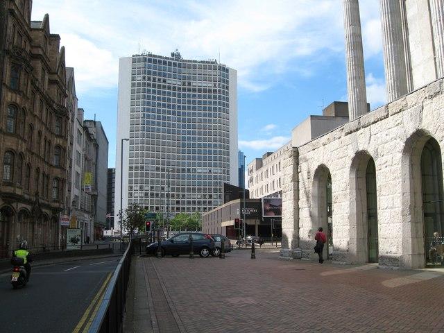 Alpha Tower - Birmingham © Martin Richard Phelan cc-by-sa/2.0 :: Geograph Britain and Ireland