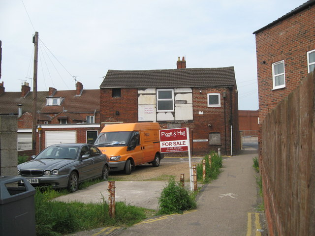 Railway Terrace ends, Grantham - Lincolnshire