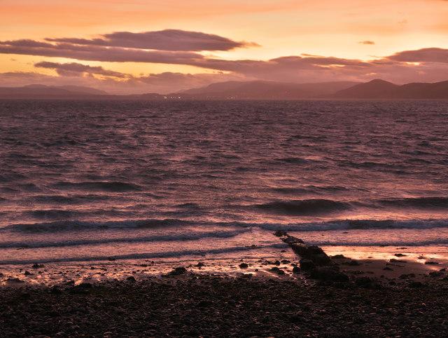Shoreline of Chanonry Ness at dusk