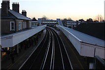 TQ0471 : Staines station looking east by Robert Eva