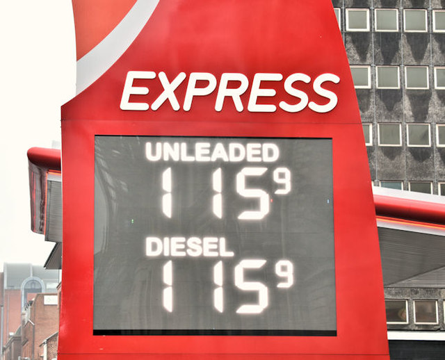 Fuel prices sign, Belfast (6 January 2017)