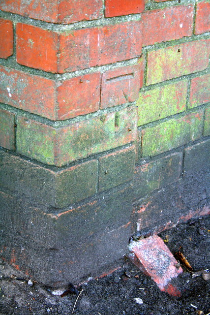 Benchmark on small building at Chuter Ede School