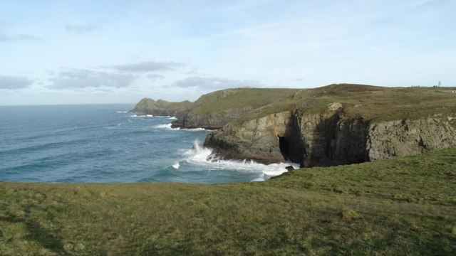 Hoblyn's Cove & Penhale Point as seen from near Ligger Point