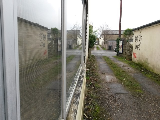 West Southbourne: a reflection on footpath H12