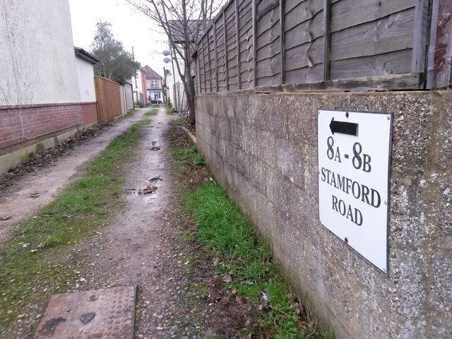 West Southbourne: to 8a and 8b Stamford Road on footpath H11