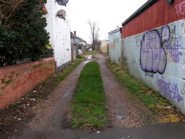 West Southbourne: footpath H10 from Beaufort Road