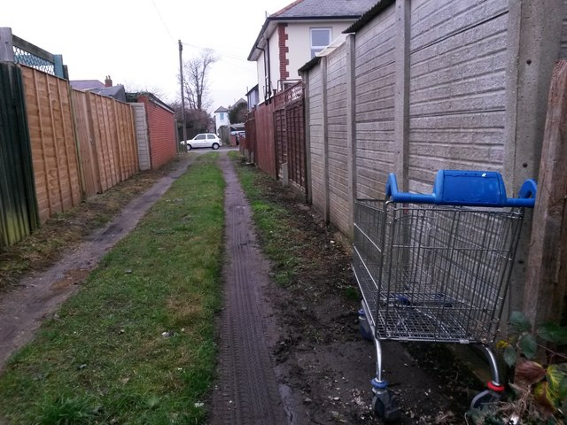 West Southbourne: abandoned trolley on footpath H13