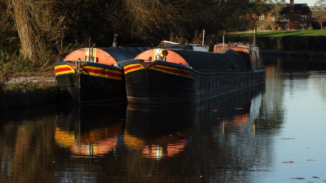 Llangollen Branch of Shropshire Union Canal - working boats N of Wrexham Rd Bridge, Burland