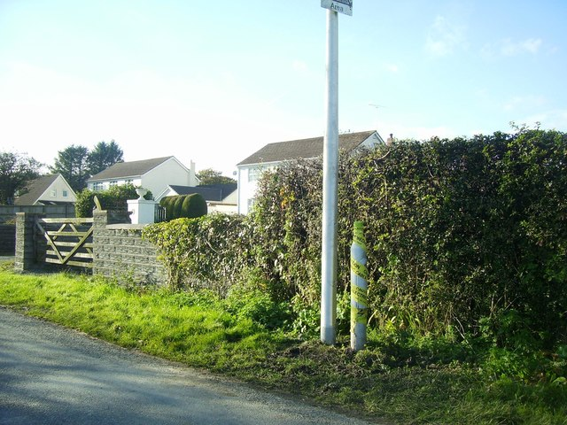 Lower Road, Llanteg, new lamp post