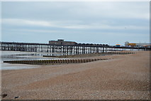 TQ8109 : Beach east of the pier by N Chadwick