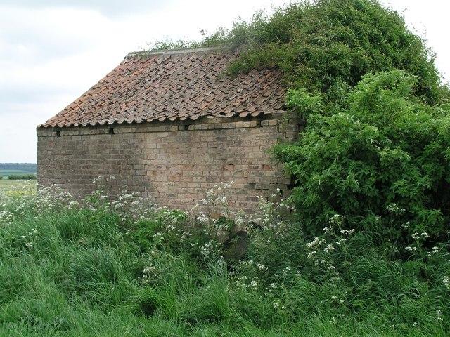 Barnetby le Wold, derelict farm building