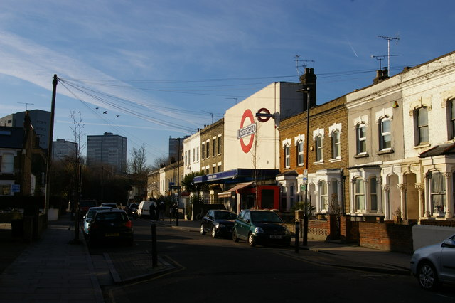 Gillespie Road and Arsenal tube station