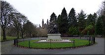NS5666 : Lord Kelvin statue in Kelvingrove Park by Thomas Nugent